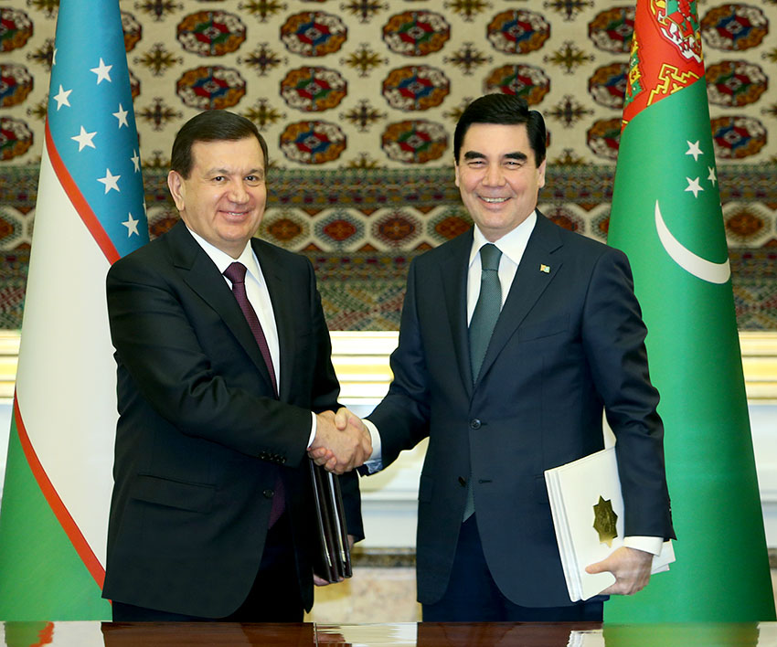 Presidents of Turkmenistan and Uzbekistan open bridge of strategic importance